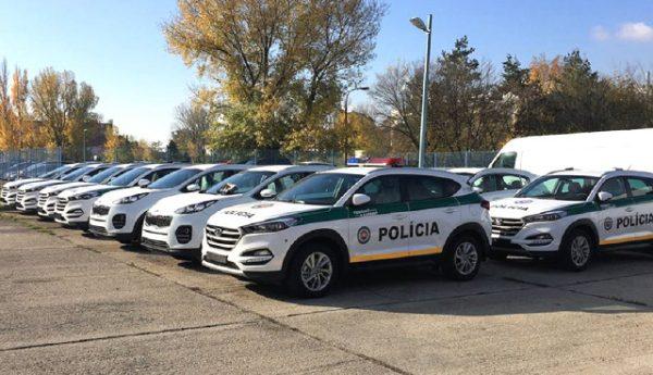 polic-auta_cr2